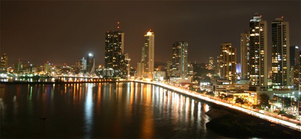 Panama skyline-night