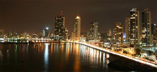 Panama skyline-night